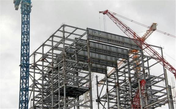 Shandong No. 3 Construction Co., Ltd.: India's first ultra-supercritical power generation project No. 1 boiler plate beam hoisting completed